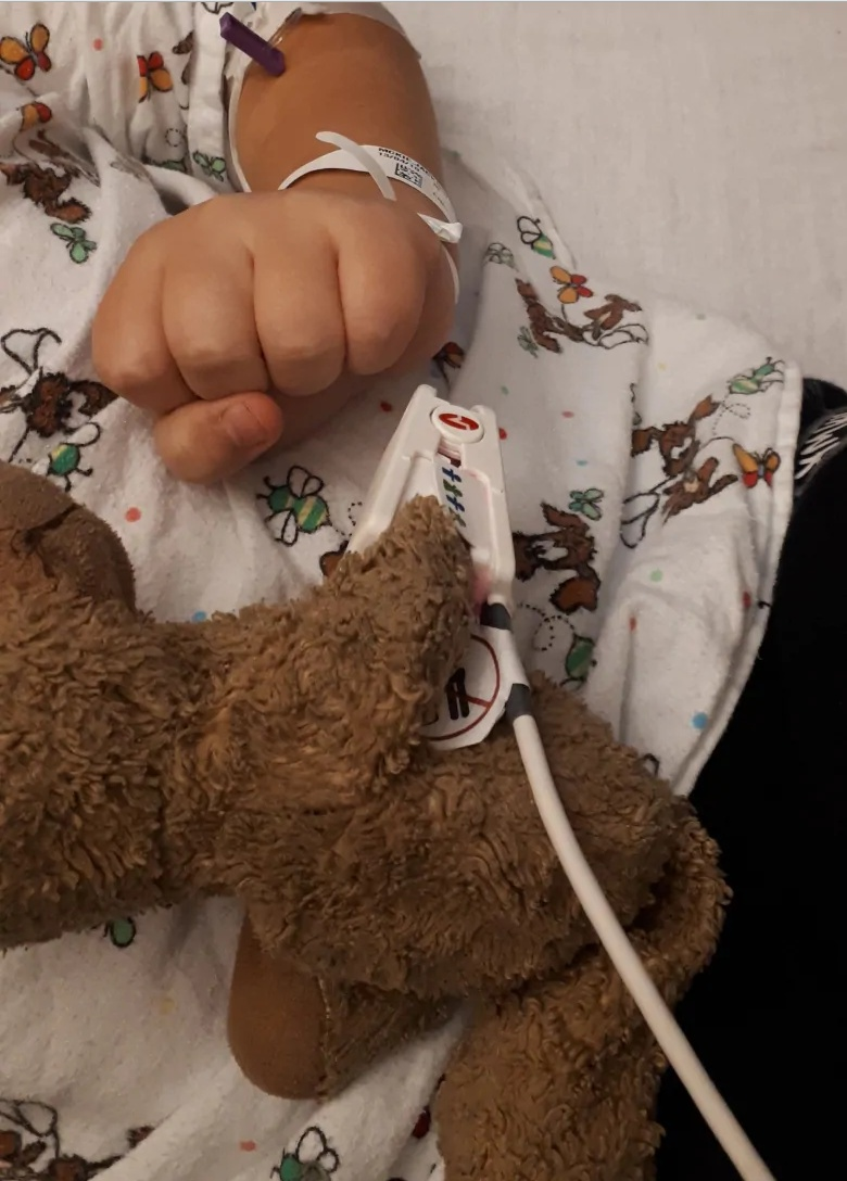 Teddy Land: Little Baby, the teddy bear, is also attached to the pulse monitor