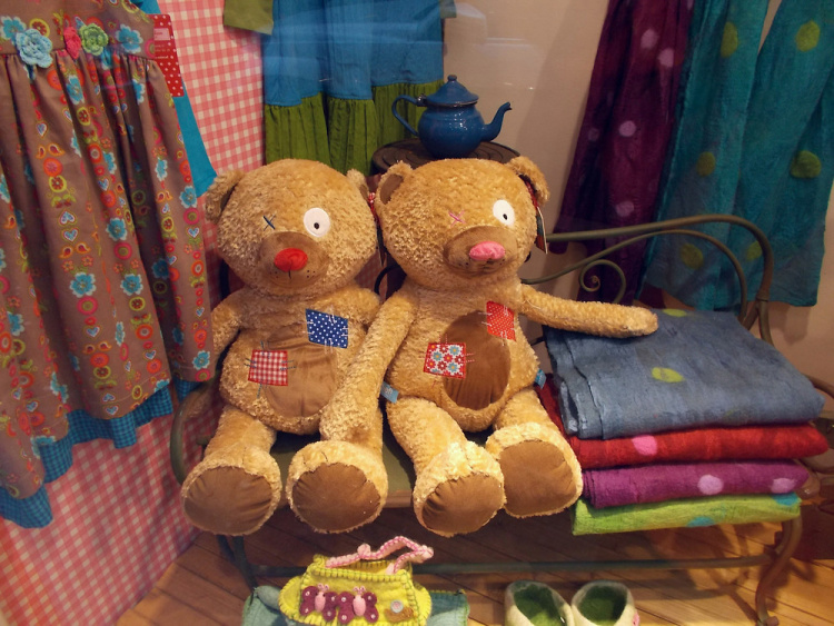 Teddy Land disapproves the selling of one-eyed Teddy Bear toys