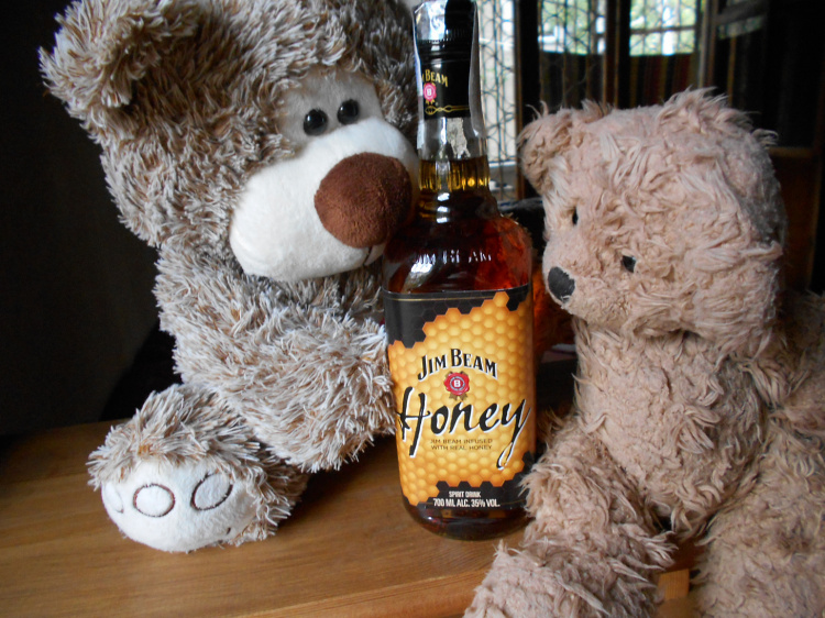 Teddy Land: Jim Beam infused with real honey