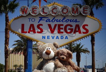 Welcome to Fabulous Las Vegas, Nevada, Welcome to Fabulous Las Vegas, Nevada! Where temperatures are 110 F (43 C) and girls dress appropriately