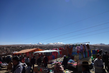 Flea market on 4000 m - La Paz, Bolivia