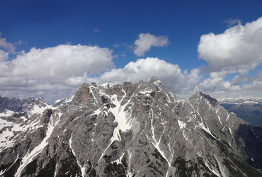 Sexton Dolomites - Oberbachernspitze, glider in the sky