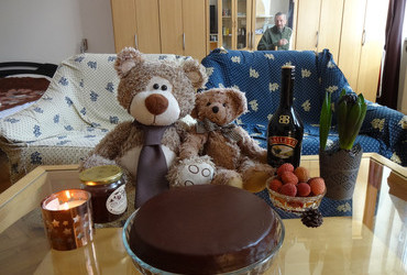 We celebrate my favorite cousin's Katya birthday with Sacher cake, Bailey's, lychee and honey, of course.