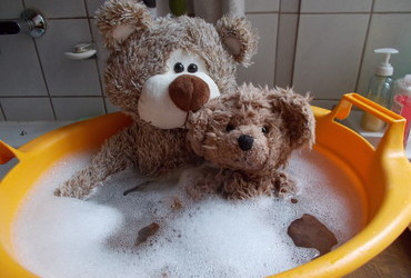 The Bubbly Bubble Bath - sharing a laundry bucket with your oversized friend, priceless.